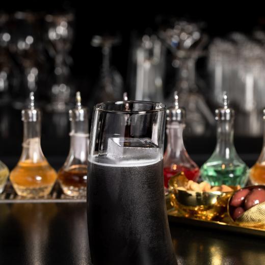 Le Burgundy Paris - Cocktails Bar Le Charles